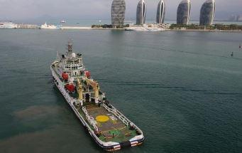 南海救助局首次进行南沙岛礁值守船员全员轮换