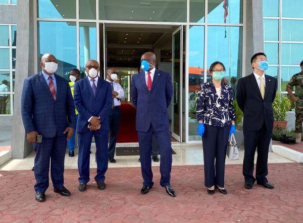 中国政府援赠抗疫物资运抵赤道几内亚