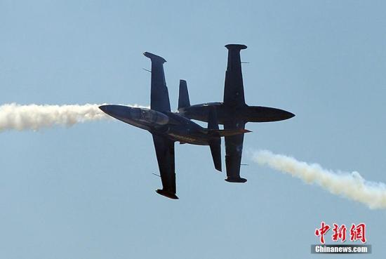 美国空军一F35战机在训练中坠毁